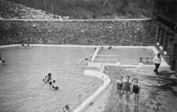 Hot Pools (88 degrees F)
