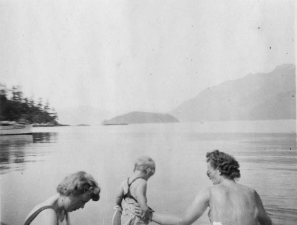Horseshoe Bay (Strange Women (Yeah, right!))